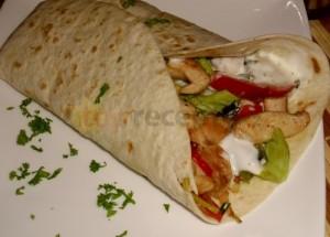 tortila-plnena-kurecim-masem-101928
