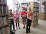 Čtvrťáci v knihovně